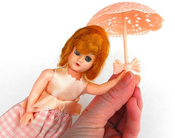 Garden Mary Storybook Doll - Vintage 60's Pink Gingham Ginger Girl Duchess of the World Nations - Mid Century Figurine Travel Parasol Stand