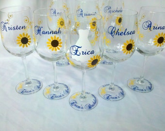 4 Bridesmaid wine glasses, Sunflower wine glasses with fall theme wedding,  1 glass. Autumn wedding idea. Maid of honor gift Bridesmaid gift