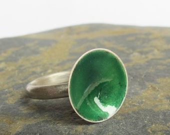 Sterling silver ring with emerald green enamel