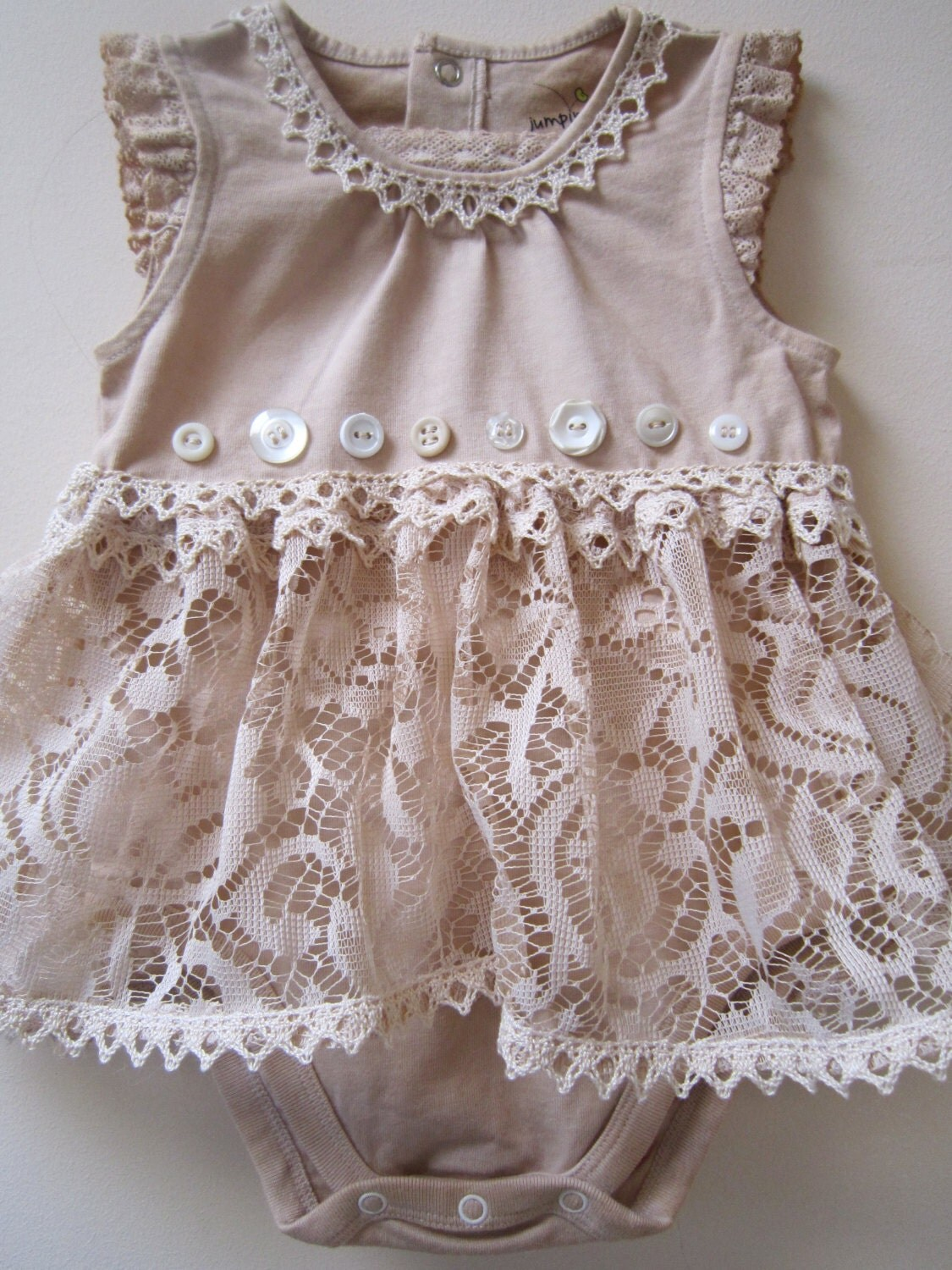 Shabby tea dyed outfit with vintage lace - Shabby chic outfit ideas ...