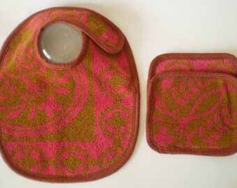 SALE--EcoBib Set--Adjustable Snap Closure--Vintage Olive & Hot Pink--EcoBib/2 EcoWipes--Ready to Ship