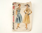 Vintage Simplicity Pattern 3866, Womens One-Piece Dresses, Complete / Unused, Bust 42 / Hip 45 (c.1940s) - Hard-to-Find Collectible