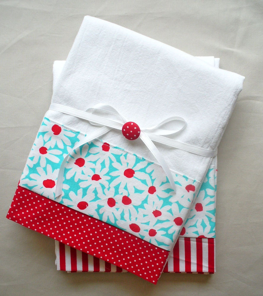 Kitchen Towels With Red And Aqua Daisies Cotton Fabric Accent
