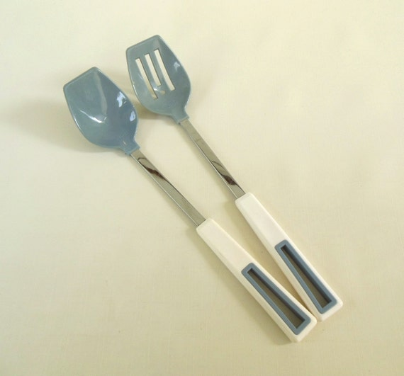 Hoan Kitchen Utensils Nylon Slotted Spoon Plastic 1980s Country Blue Gray