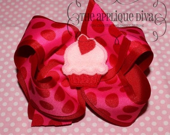 Valentine Love Cupcake Hair Bow Center Digital Embroidery Design Machine Applique