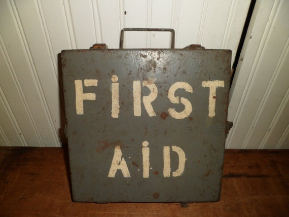 Vintage military life boat first aid kit by thelongacreflea for Miroir des modes prints