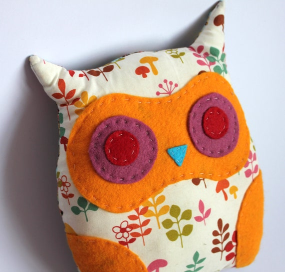 Sweet Leaf Patterned Owl Cusion. Made in Summery colors. Perfect for a Valentines Gift or a Cushion for a Child's Room .