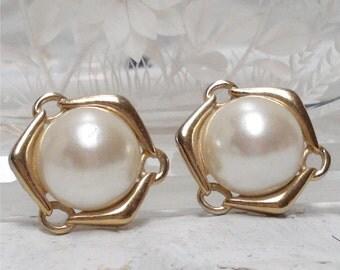 1 inch Faux Pearl Pierced Earrings Gold Tone