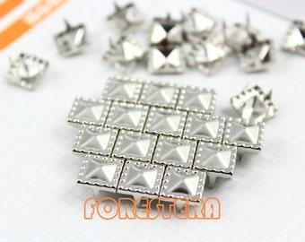 200Pcs Silver Dotted Border Pyramid Studs 8.5mm (SDP08)