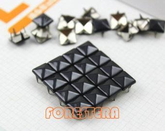 200Pcs 8mm Black Color PYRAMID Studs (C-BL08)