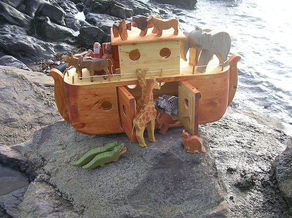 Solid wood Noah's Ark and Animals / Toy boat / Biblical ship