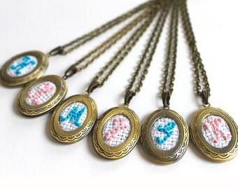 6 Embroidery Monogram Bridesmaid Locket Necklaces, Vintage Monogrammed Personalized Bridesmaids Gifts, Monogram Locket, Great Gatsby Wedding