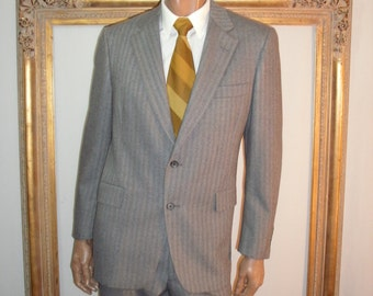 Vintage 1970's Silver Trumpeter Grey Wool Suit - Size 42