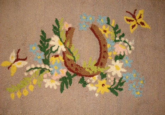 Vintage Beige Horseshoe Flower Butterfly Hook Rug 22x36 inches