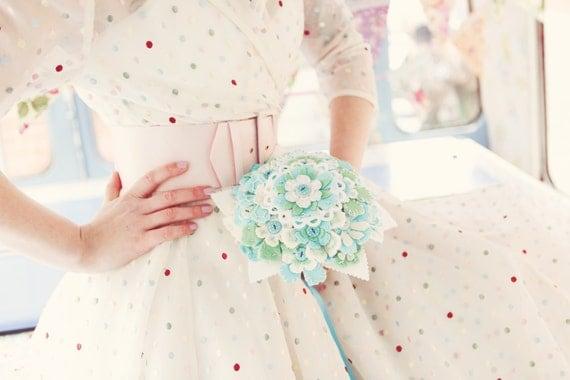 Felt flower bouquet polka dot buttons