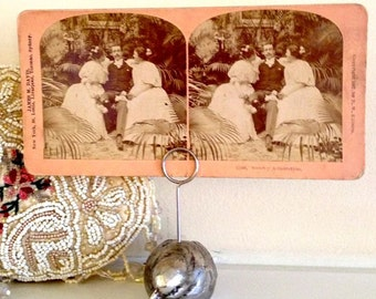 Stereo view Sisters Card  - free shipping