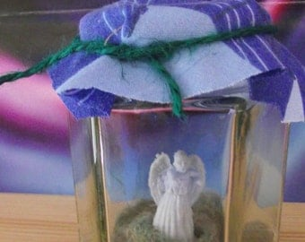 doctor who captured weeping angel  in a jar.