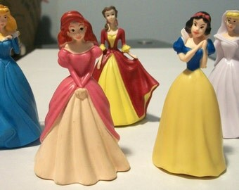 Snow White And Her Princess Friends Cake Toppers