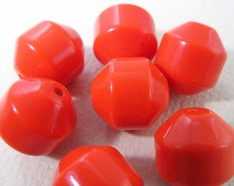 15 Vintage 13mm Hot Orange Tapered Lucite Beads Bd724