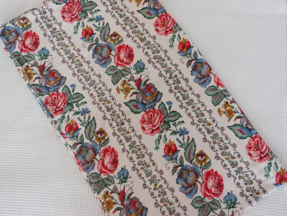 Fabric Rose Print Pretty vintage Red  Blue Green