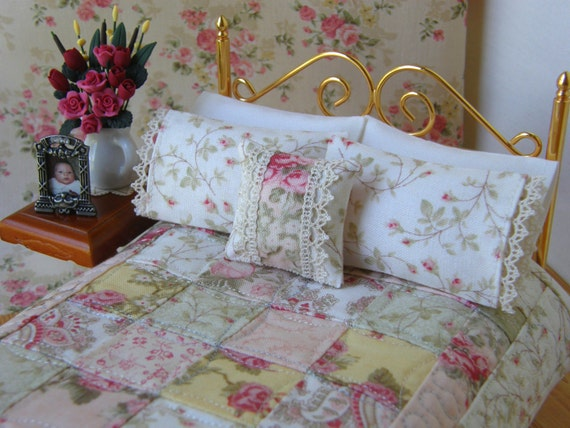 Dollhouse Miniature Quilt With 2 Matching Bed Pillows