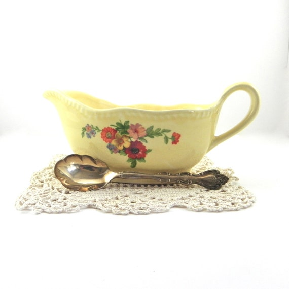 Yellow Homer Laughlin Gravy Boat with Floral Transfer, Farmhouse Kitchen, Cottage Chic