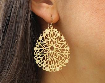Gold Teardrop Pendant Earrings Filigree -  Bridesmaid Earrings - Bridal Earrings Wedding Jewelry - Boho Earrings - Bohemian Jewelry Earring