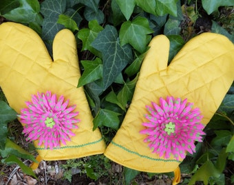 Sunshine Yellow Oven Mitt Set with Pink and Green Polka Dot Flowers