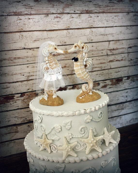 Seahorse Wedding Cake Topper-Beach wedding-Kissing Seahorse Couple-Beach Themed Wedding Cake Topper-Destination Wedding