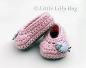 Slip-On Crocheted Baby Booties, Pink and Gray, Baby girl Shoes, Baby Slippers, sizes NB, 0-3 months, 3-6 months, 6-9 months, 9 to 12 months