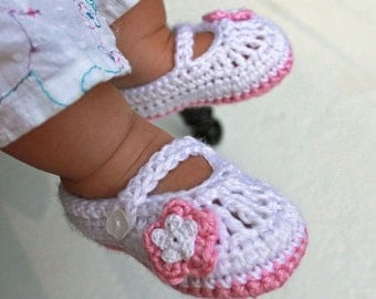 Crocheted Mary Jane Baby Booties in White and Pink, Crocheted Baby Shoes, Baby Girl Booties, sizes 0-3 months, 3-6 months, 6-12 months