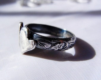 Purity Ring, Fine Silver. Unique Chasity Ring. One of a Kind. Band is beautiful scroll flower vine.