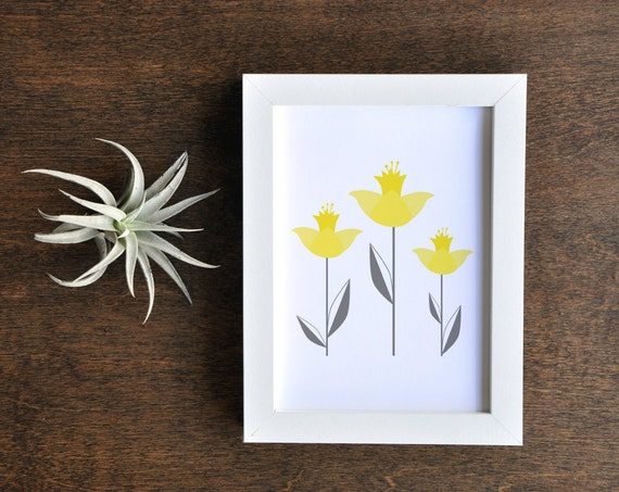 Yellow and Gray Botanical Illustration, Daffodil Artwork, Vertical 5x7 Wall Decor