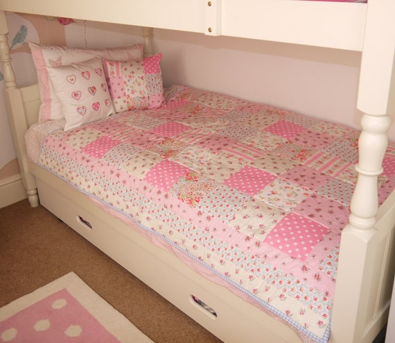 HANDMADE PATCHWORK QUILT single bed size Cath Kidston fabric. : single quilt size - Adamdwight.com