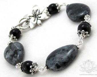 Black Labradorite Bracelet, black bracelet, birthstone bracelet, gemstone bracelet, black jewelry, flower bracelet, onyx bracelet, goth gift