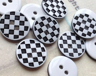 12 mm Black and White Acrylic Checker Pattern Buttons (.mn)