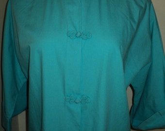 Vintage Aqua Blue Cotton Kimono Robe with Mandarin Collor and Frog Leg Buttons, Made of 100 Percent Sanforized Cotton in Vintage  Condition