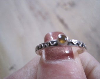 Amber and sterling silver band ring size 8