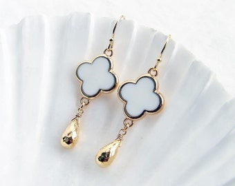 Simple White Flower and Gold Drop Earrings. Small Daisy with Gold Colored Trim. Bridesmaid Gift. Simple Modern Jewelry