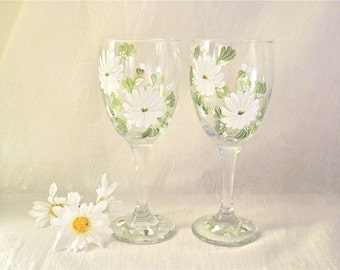 Daisy set of two wine glasses hand painted