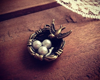 2 - Birdnest Charms, Antique Bronze, Love Bird Nest, Vintage Jewelry Supplies (A001)