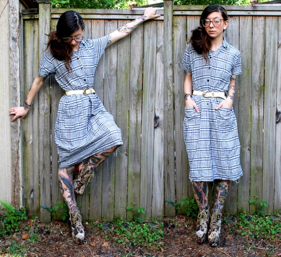Vintage // Checkered Grunge Picnic Shirt Dress // Buttons and Pockets // Medium // Maxi