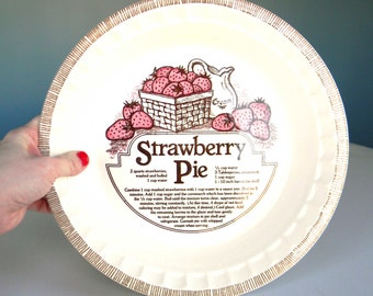 Vintage Strawberry Pie Pan Plate Ceramic Recipe Dish Round Decor