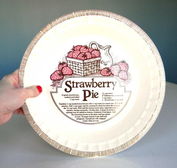 Vintage Strawberry Pie Pan Plate Ceramic Recipe Dish Round