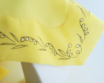 Scarf-  Square Yellow Scalloped embroidered Vintage 1960's