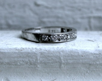 Classic Vintage 18K White Gold Pave Diamond Wedding Band - 0.27ct