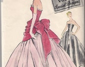 RARE Vogue s4795- Sumptuous evening or wedding gown pattern- 1950s b34 (no label)