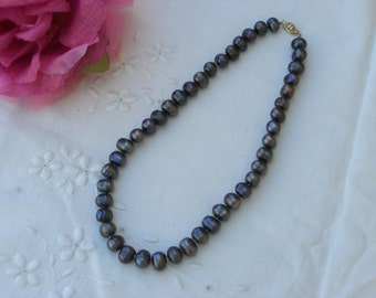 Pearl Necklace - Freshwater Pearls - Black