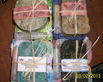 Organic Gift Set -  4/ bars of soap, 4/crochet cotton wash cloths and 4/ lip balms. Great bath gift sets
