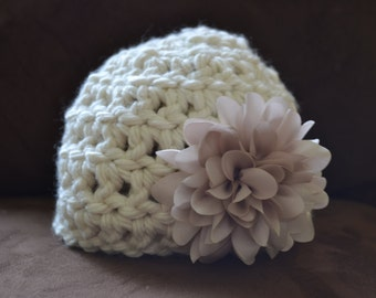 Chunky ivory newborn hat with flower